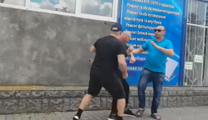 """Россия с нами не воюет!"" В Бердичеве избили бойца АТО: опубликовано видео"