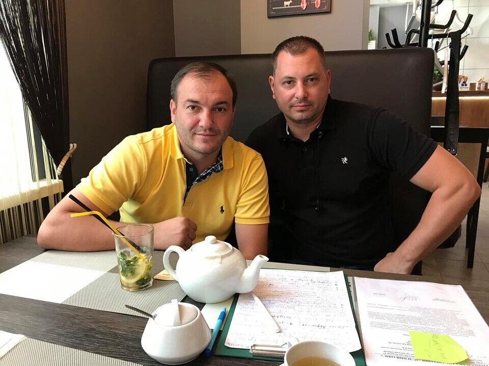 Ярослав Годунок (ліворуч) та адвокат
