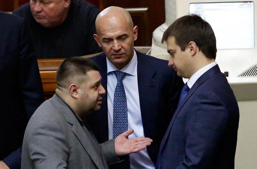 Александр Грановский (слева) и Игорь Кононенко (посередине)