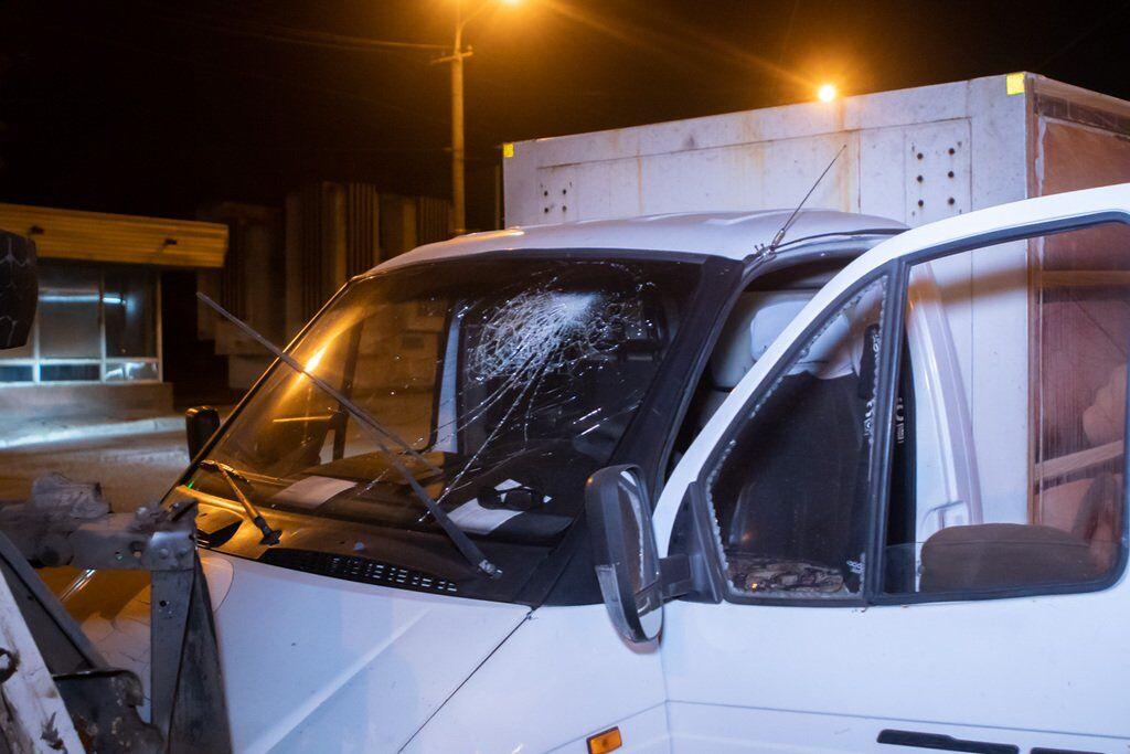У Дніпрі зіткнулися дві вантажівки