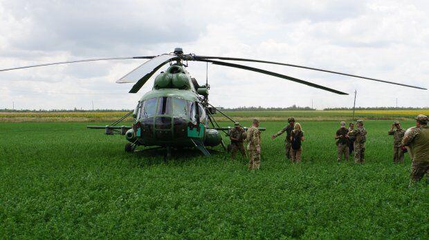 Украинские военные показали мощь на Донбассе: кадры