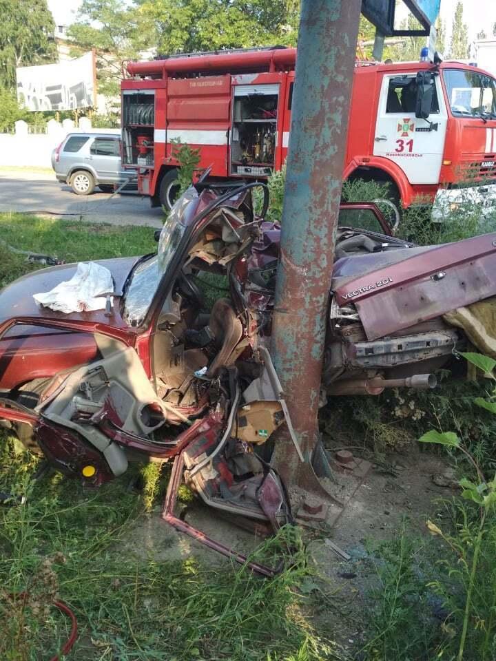 Водій Opel Vectra не впорався з керуванням