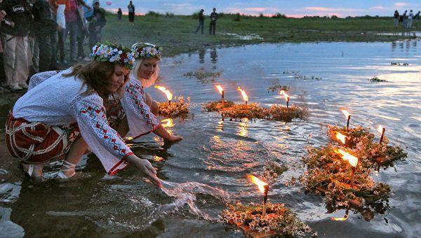 Івана Купала 2019: де стрибати через вогнище і запускати вінки в Києві