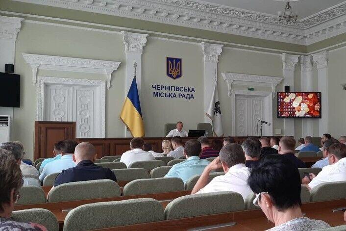 Владислав Атрошенко на нараді в мерії Чернігова