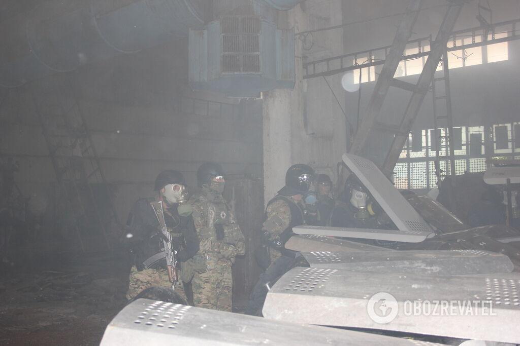 Правоохоронці кілька разів вистрілили в повітря