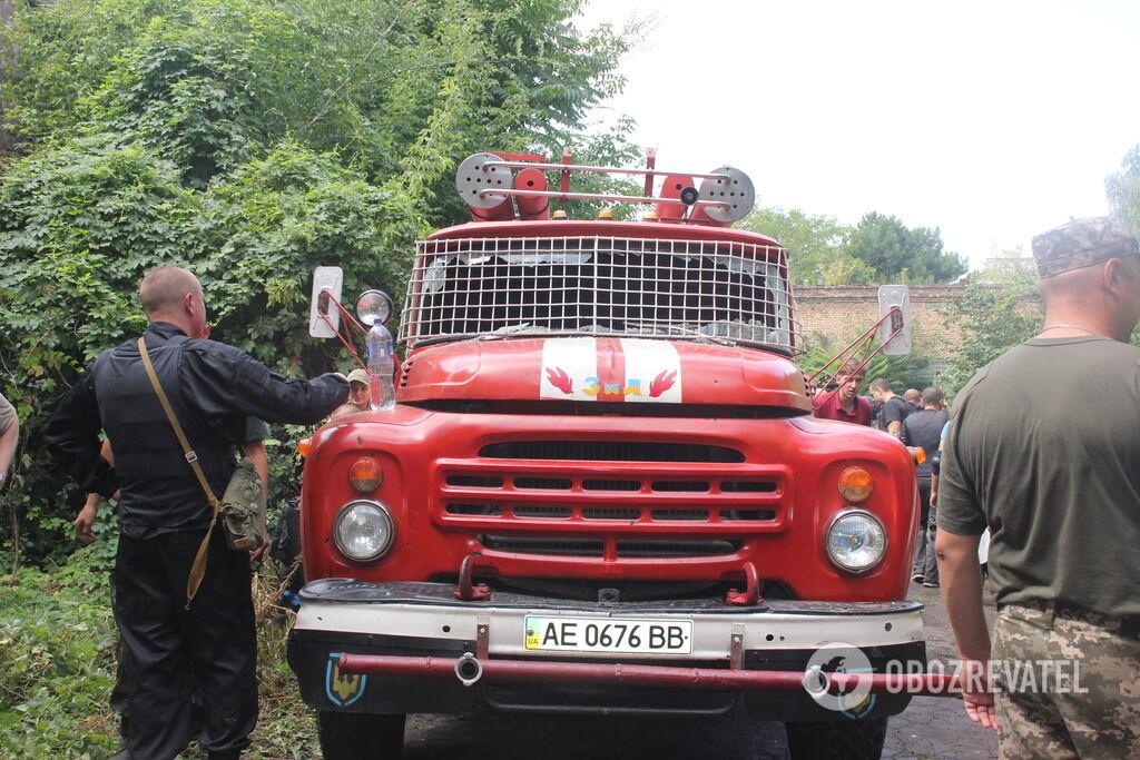 При штурмі від вибуху розбилося скло пожежної машини