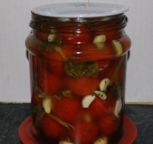 Квашеные помидоры: Простой рецепт засолки - через 3 дня можно есть