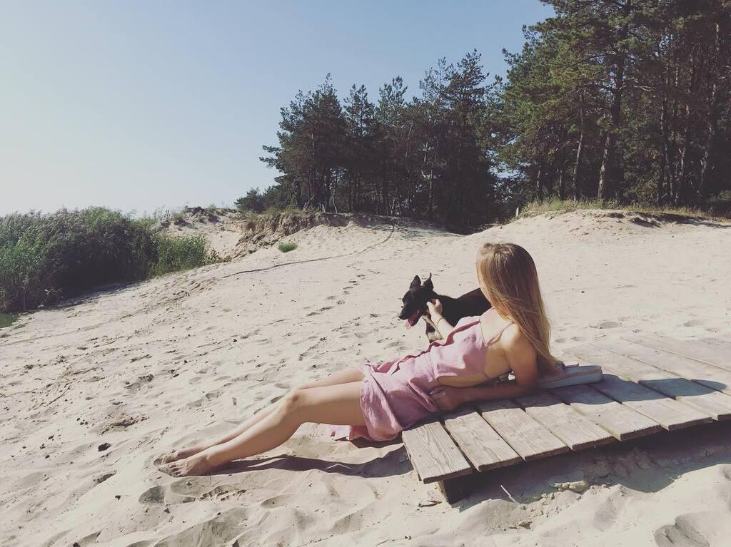 Кошмал на березі
