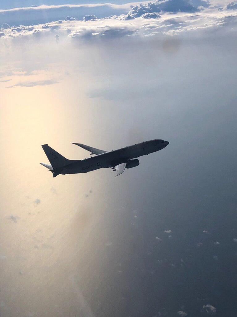Самолет США пронесся над Крымом: россияне запаниковали. Видео