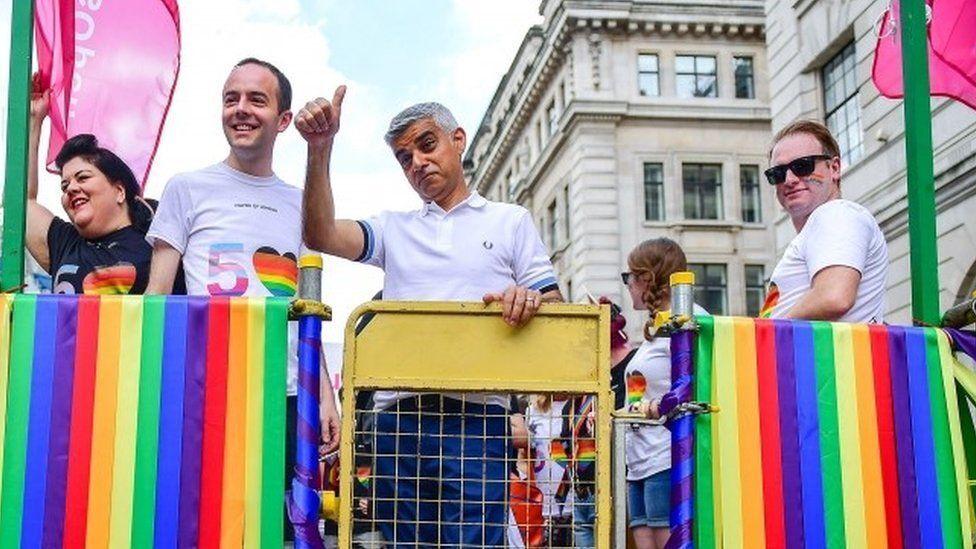 ЛГБТ-прайд парад в Лондоне