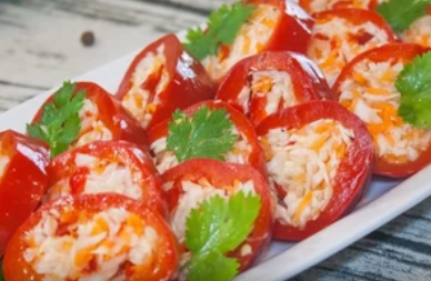 Як приготувати фарширований перець з м'ясом, рисом, овочами: рецепт на будь-який смак