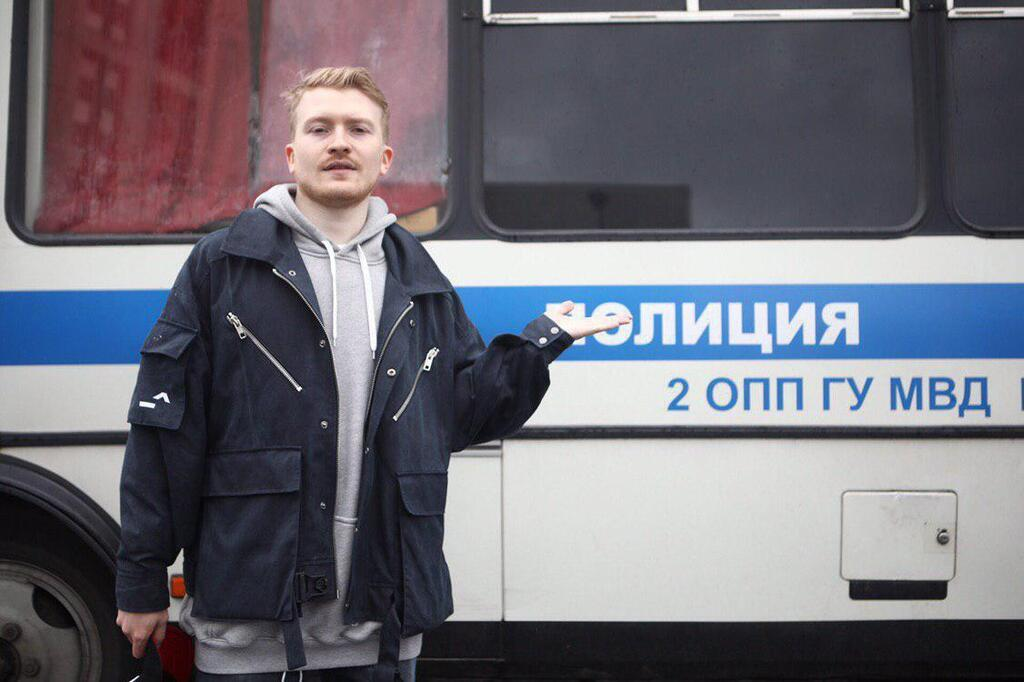 Блогер Данила Поперечный пришел на митинг в Москве