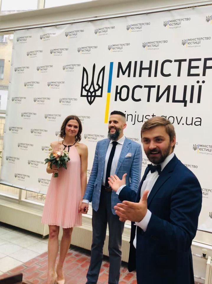 Головний митник України одружився: з'явилися фото з весілля