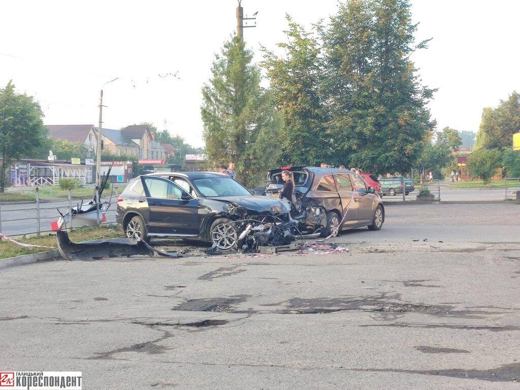 В Івано-Франківську відбулася масштабна ДТП