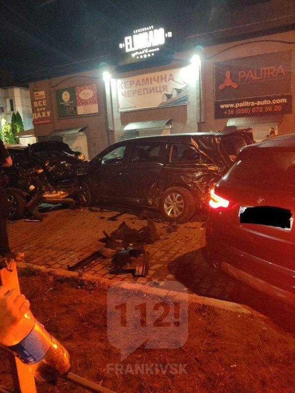 ДТП трапилася на парковці нічного клубу Ельдорадо