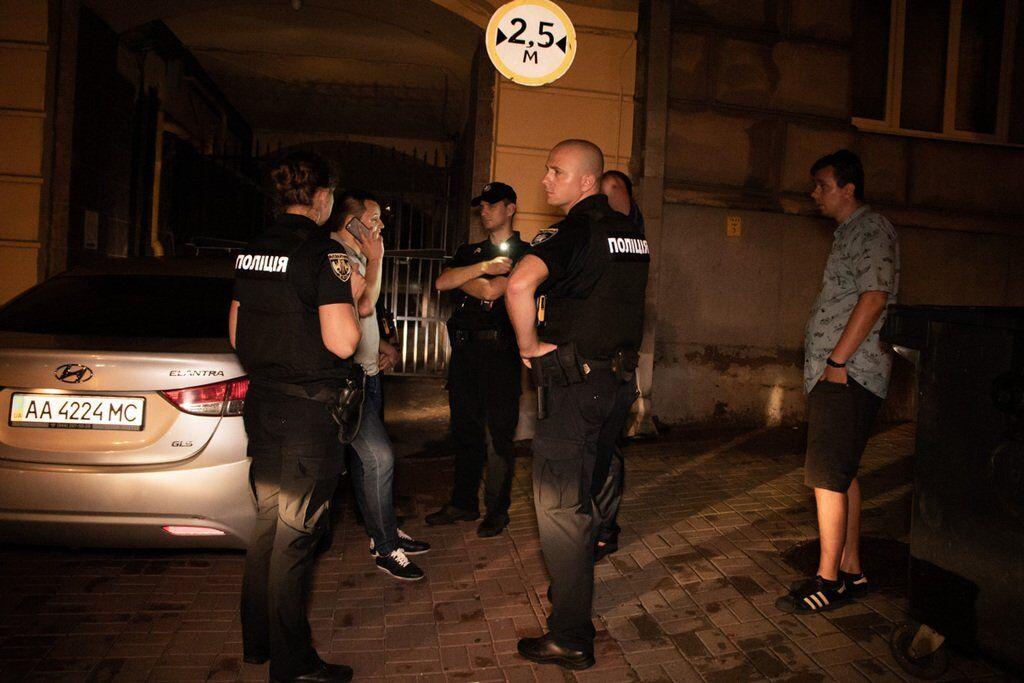 Поліція спіймала авто з п'яними чоловіками