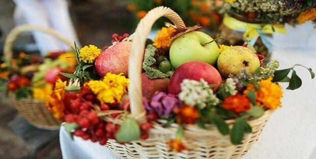 Яблочный Спас называют днем встречи осени