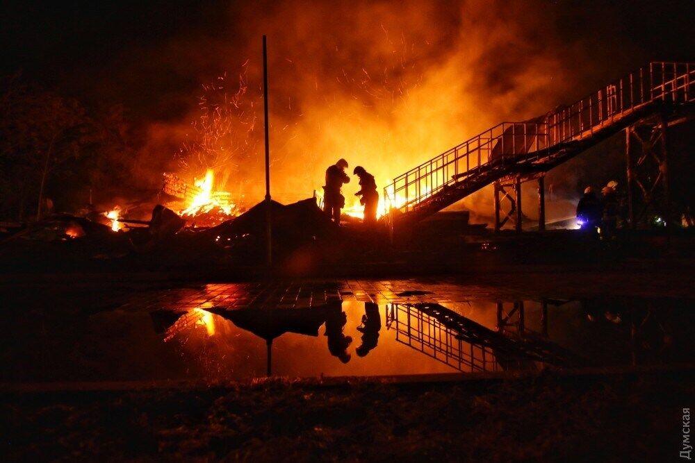 """Пожежа в таборі """"Вікторія"""" в Одесі майже два роки тому"""