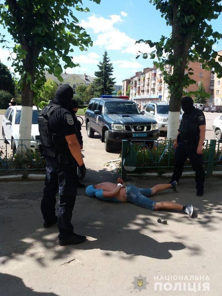 На Житомирщині іноземець викрав дівчину