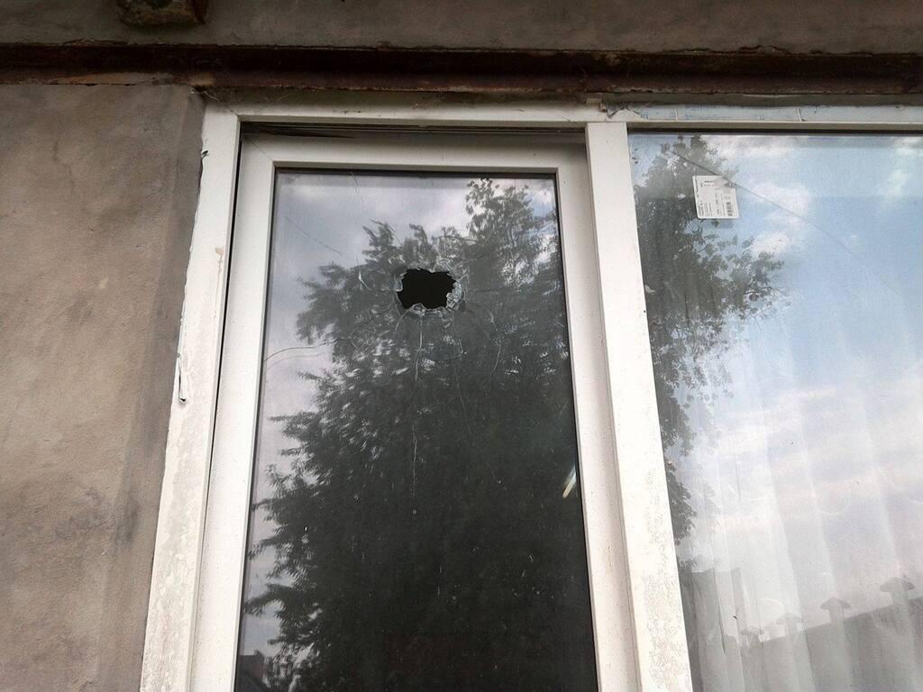 Боєприпаси розбили вікна