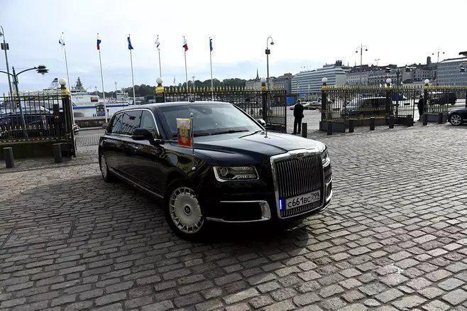 Одна из машин в кортеже Путина