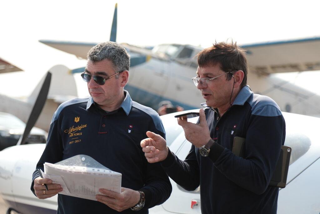 """""""Самолет резко пошел вниз"""": стало известно о новых опасных приключениях Комарова"""