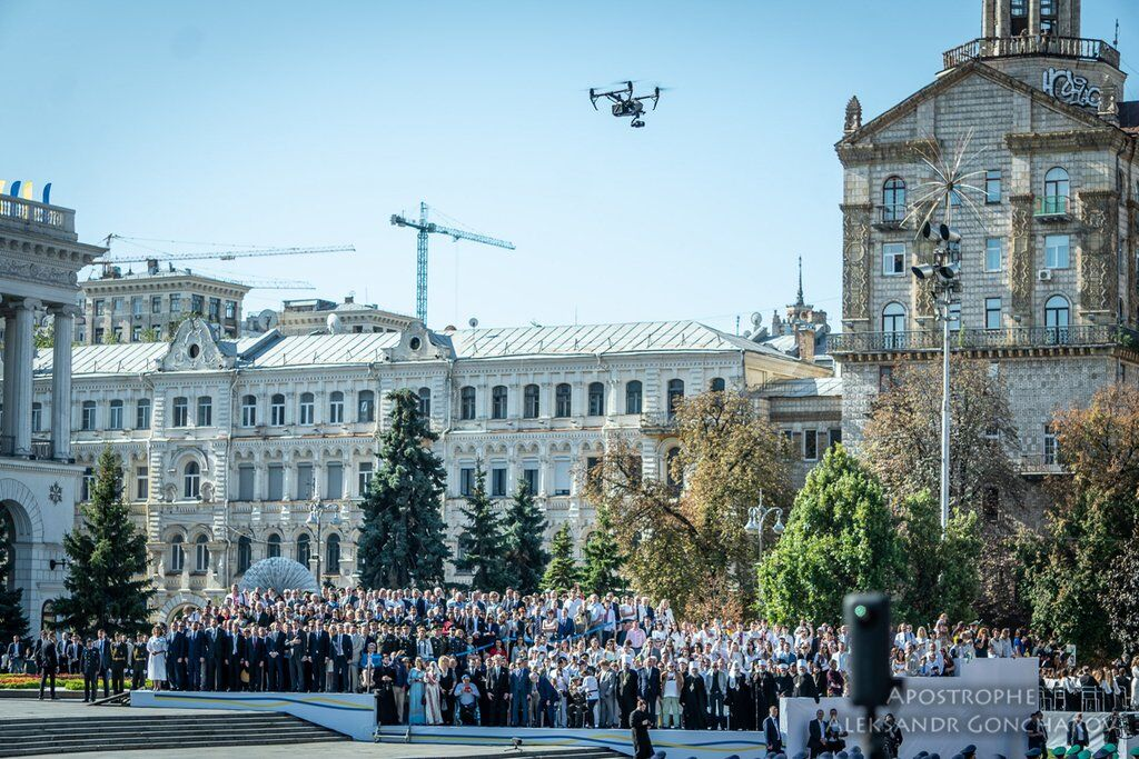 Дві ходи, забіг у вишиванках і мегашоу: як Київ відсвяткував День Незалежності