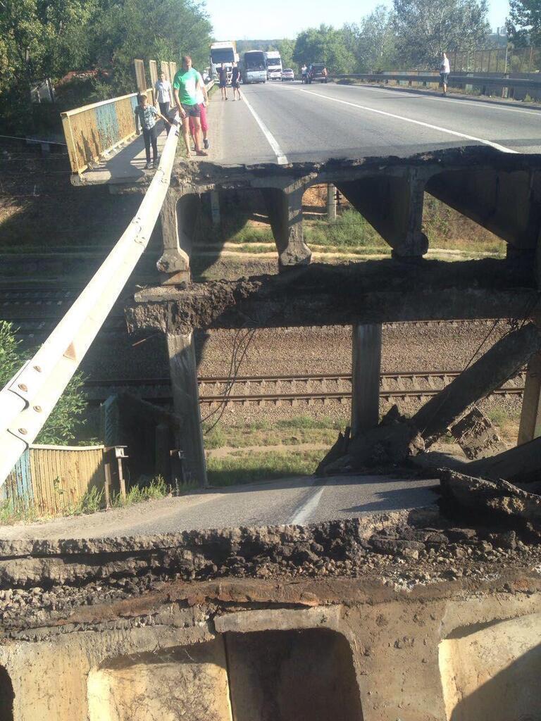 Міст обвалився в Харкові