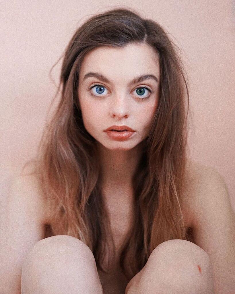 Глаза Марии Оз называют самыми большими в мире