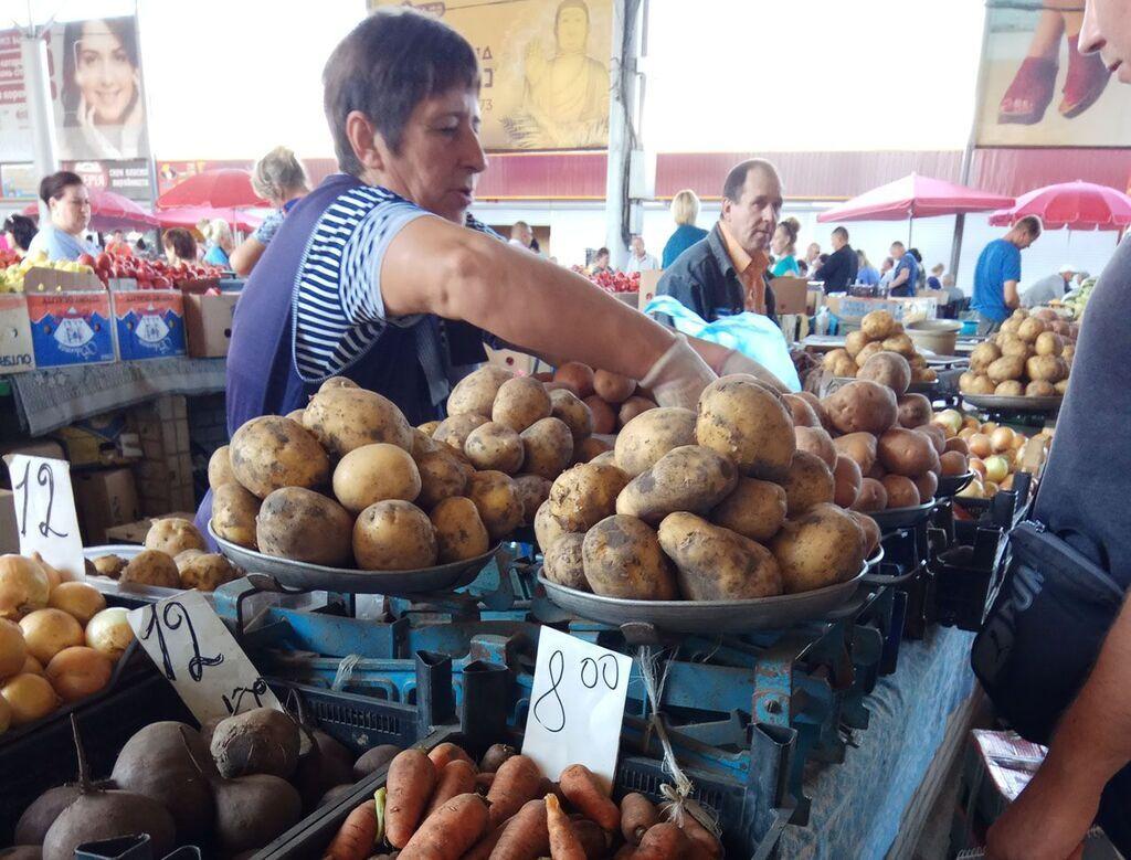 В середине августа картошка на базарах стоила 14-15 грн, а в супермаркетах цены доходили и до 17 грн/кг