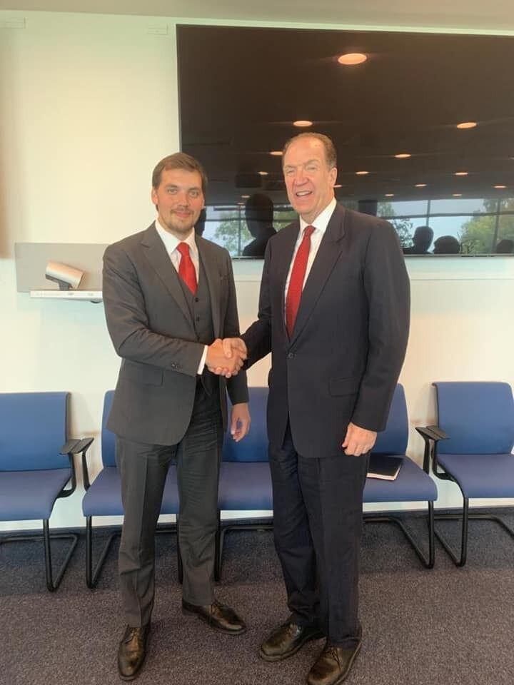 Гончарук із президентом Світового банку Девідом Мольпасом
