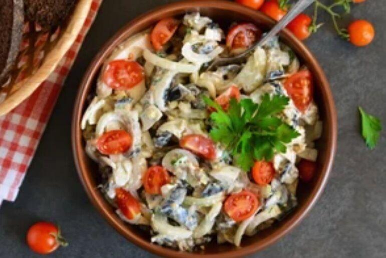Рецепт самого вкусного салата с баклажанами и помидорами