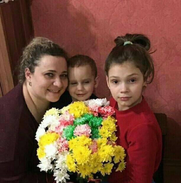 Оксана с детьми