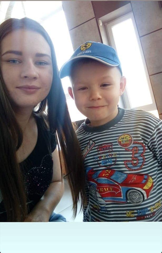 Аня Груздева с братом Давидом