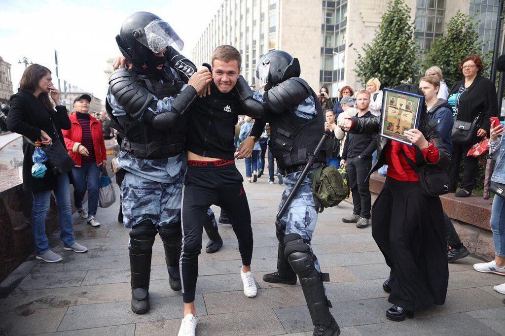 Москву сколихнули протести: є затримані