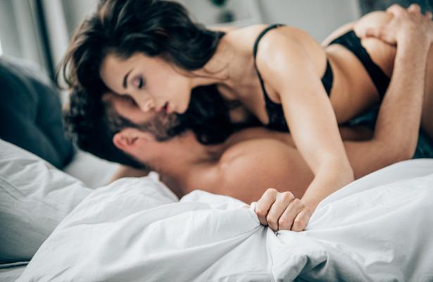 Названо секс-пози, які замінять спортзал: топ-5