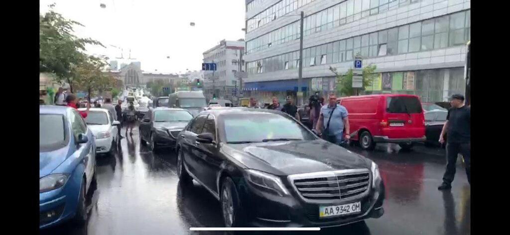 Порошенко вернулся в Украину