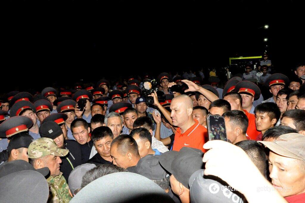 Зіткнення між спецназом і прихильниками Атамбаєва