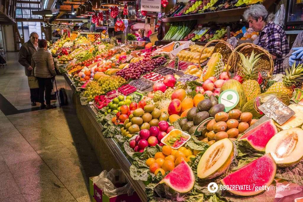 Травятся фруктами из Китая
