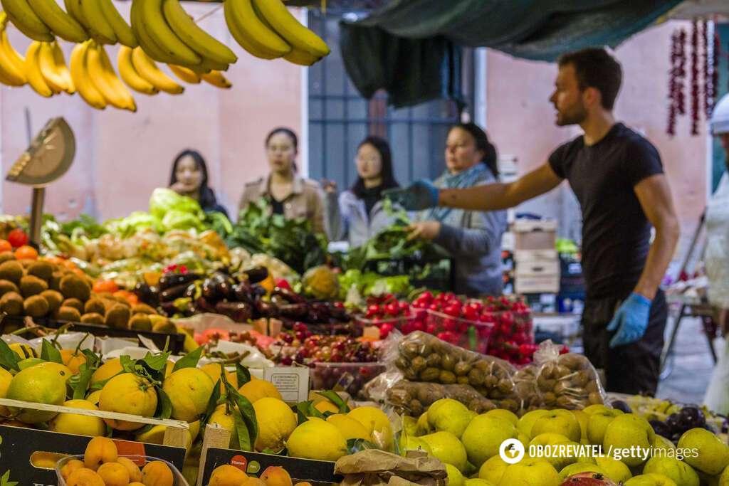 Отравиться можно любыми фруктами