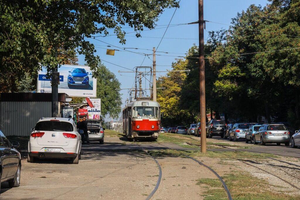 Легковик протаранив трамвай у Дніпрі: постраждали люди