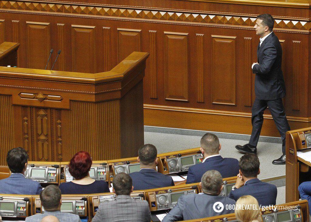 Депутаты на крючке: что означает закон о прослушке