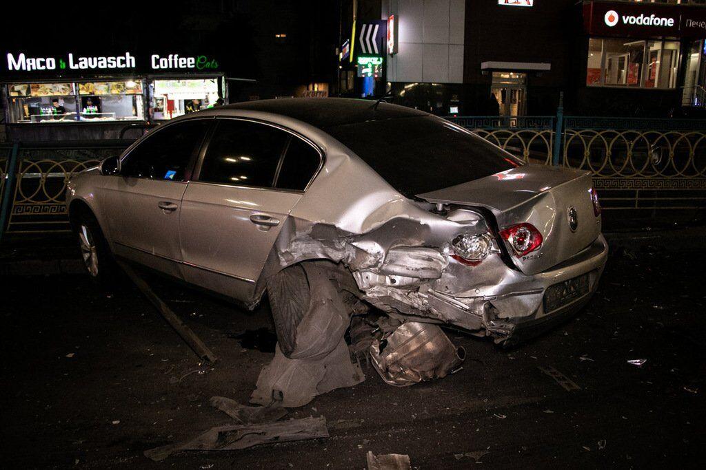 BMW X5 влетел в припаркованный Volkswagen