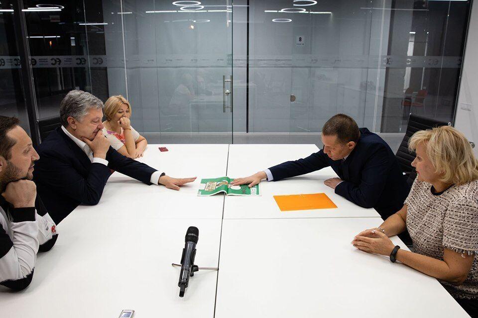 Встреча Петра Порошенко с Романом Сущенко и его женой Анжелой