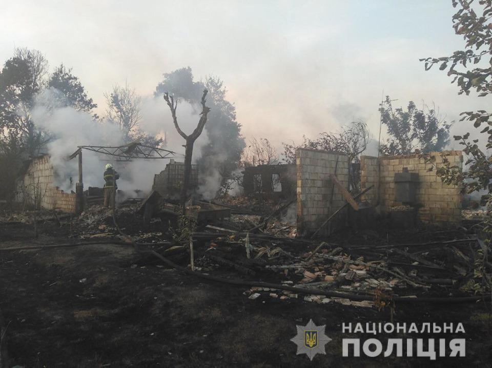 У селі Любимівка Вишгородського району Київської області спалахнула масштабна пожежа