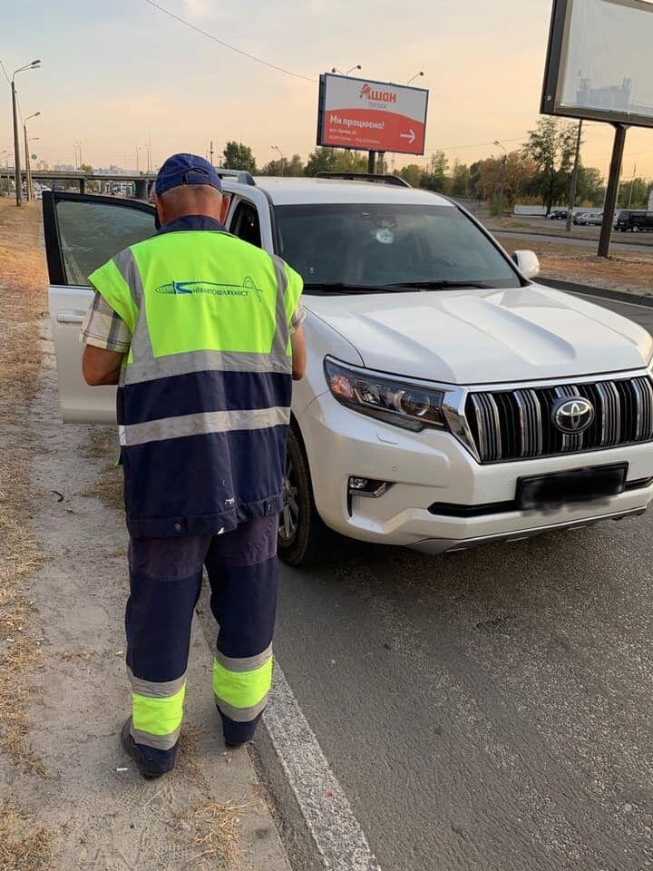 Водитель сказала, что инцидент нанес ей материальный и моральный ущерб