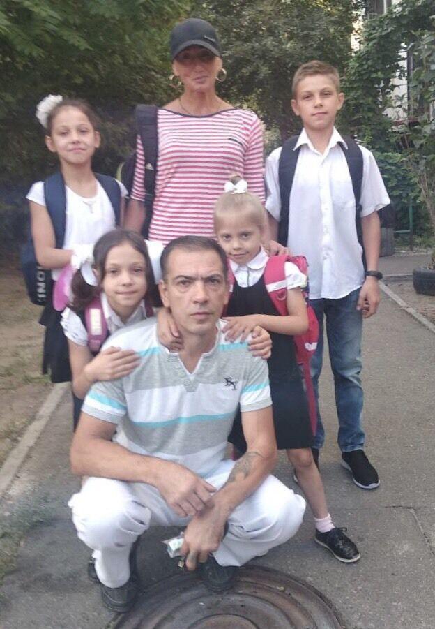 Вячеслав Павликов с детьми и их тренером