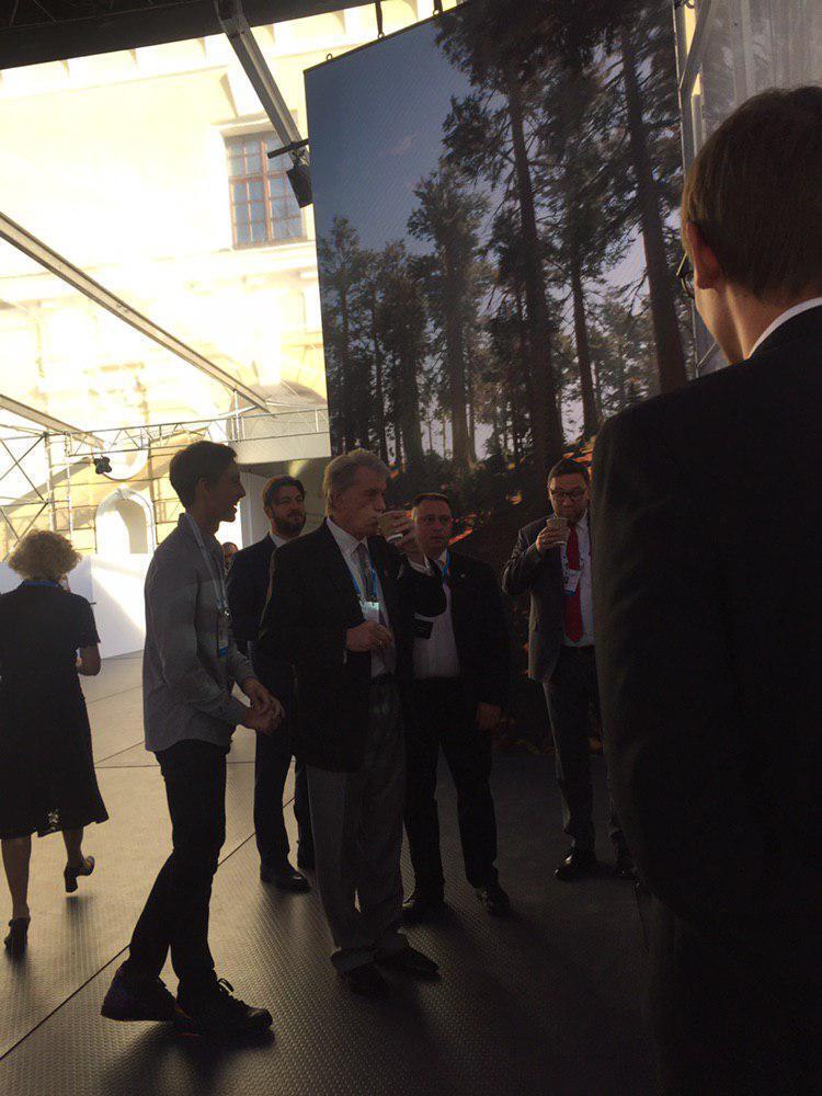 Віктор Ющенко на форумі YES
