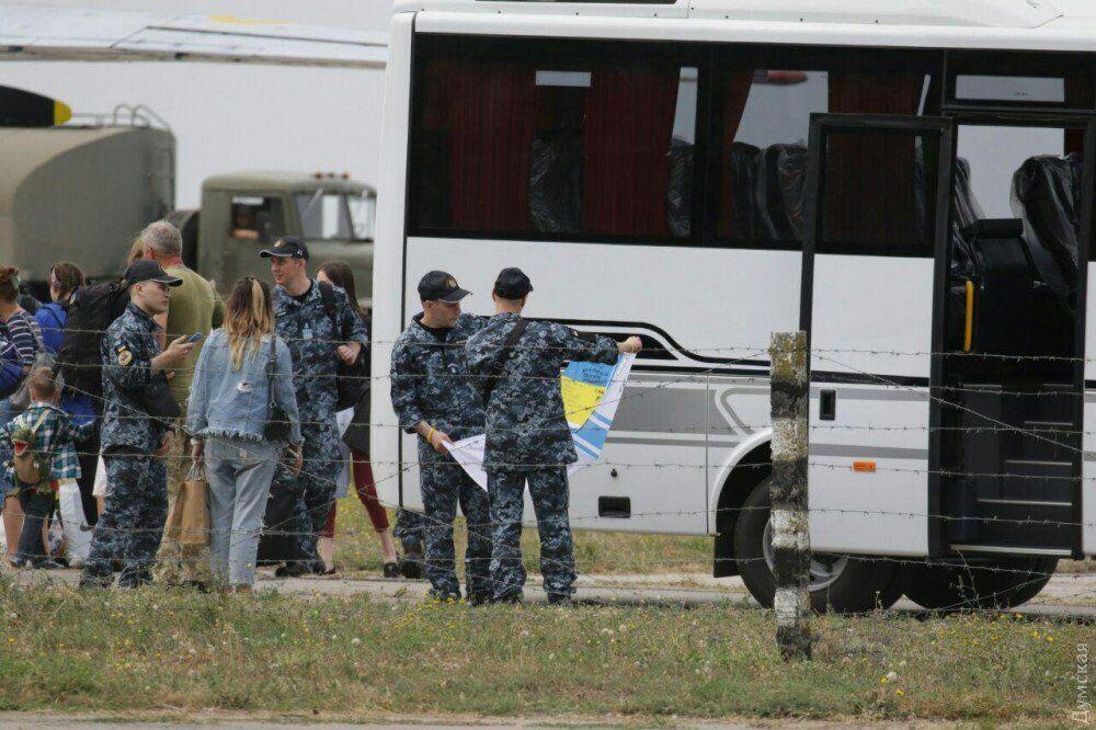 Звільнені моряки повернулися до Одеси