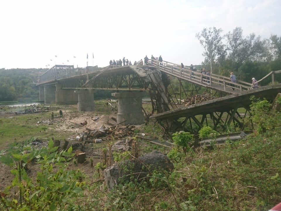 Бойовики активізувалися на мосту у Станиці Луганській